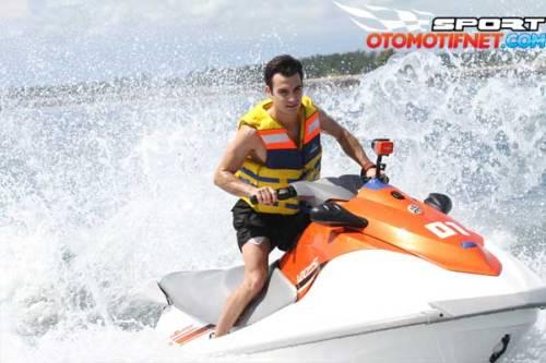 2015_02_02_08_29_03_water-sport-marc-marquez-di-bali-7