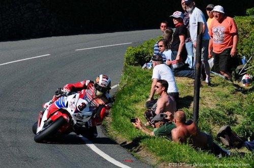 Trackside-Tuesday-Isle-of-Man-TT-2013-Tony-Goldsmith-04