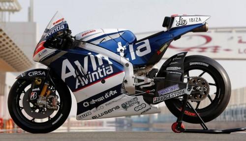 avintia-racing-motogp-2015_03-1024x586